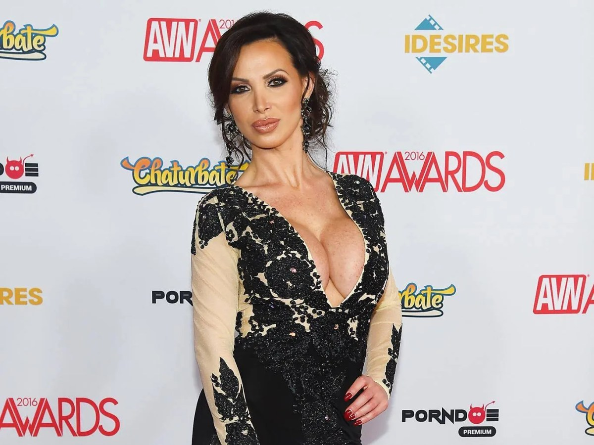 Nikki Benz: la star du porno poursuit Brazzers pour agression sexuelle