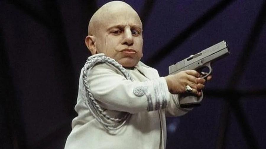 L'acteur Verne Troyer, qui a joué Mini-Me dans les films Austin Powers, est décédé à l'âge de 49 ans.