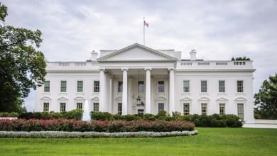 Photo of Trump napustio Bijelu kuću, posljednji put kao predsjednik SAD-a