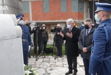 Photo of Džaferović i Komšić odali počast braniteljima povodom Dana Armije RBiH