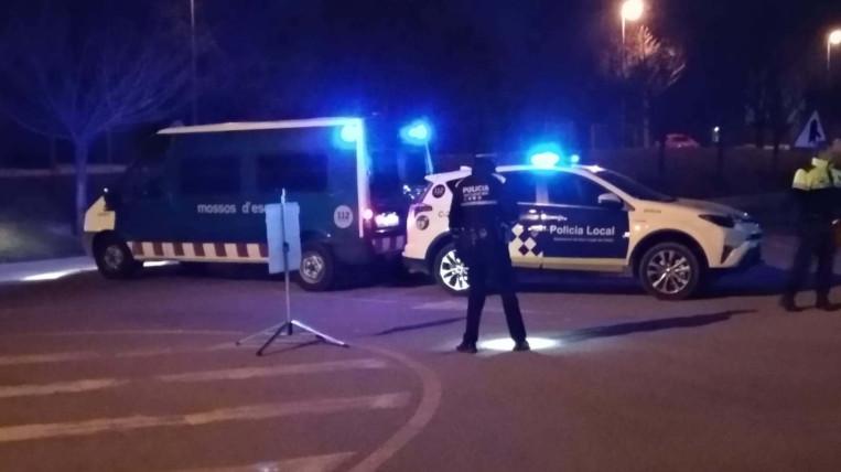 Dissolen un botellot amb 200 joves al Turó de Can Mates en la primera nit sense toc de queda