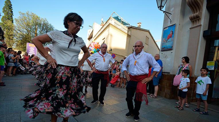 Sant Cugat celebra el seguici de la Festa Major amb normalitat, tot i les temperatures extremes