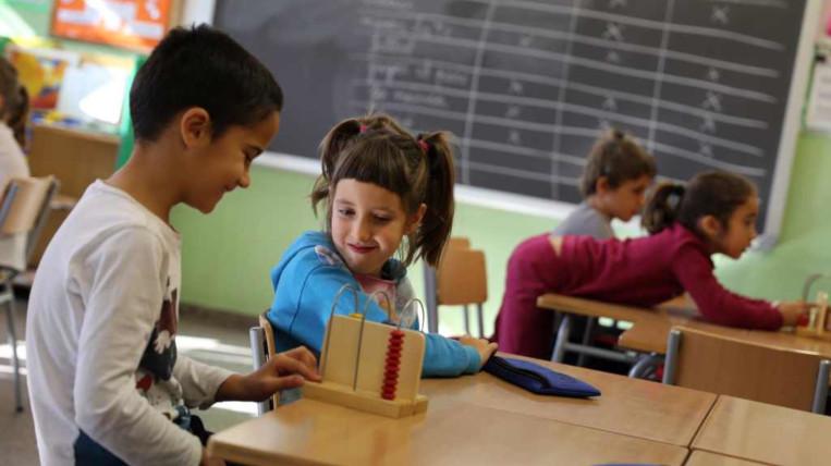 Creixen el nombre d'alumnes d'ESO i disminueixen els d'infantil i primària