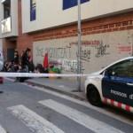 Els Mossos desallotgen un edifici ocupat al carrer Vallès