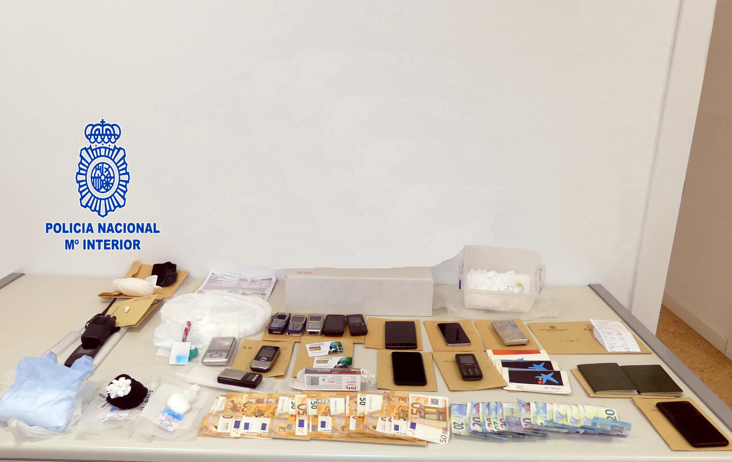 Detingut per vendre cocaïna en un pis al costat de la comissaria de Sant Cugat