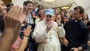 El Papa Francesc es reuneix amb un grup de joves de la Parròquia de Sant Pere d'Octavià
