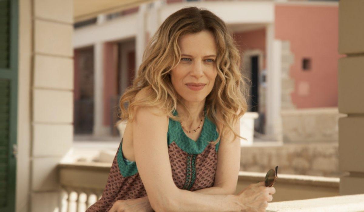 Il Commissario Montalbano 2020 Livia interpretata da Sonia Bergamasco nella puntata Salvo Amato, Livia Mia Credits foto Duccio Giordano e RAI