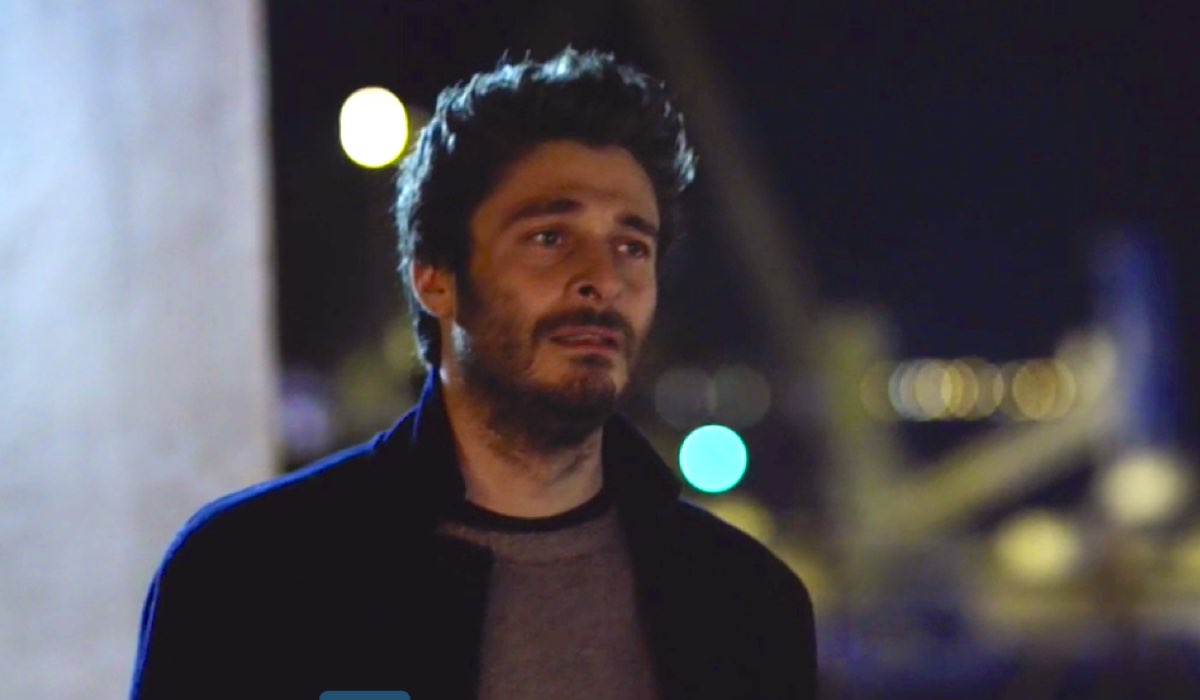 Lino Guanciale è nel cast della fiction Survivors – Sopravvissuti, qui ne La Porta Rossa 2 puntata 12 Credits RAI