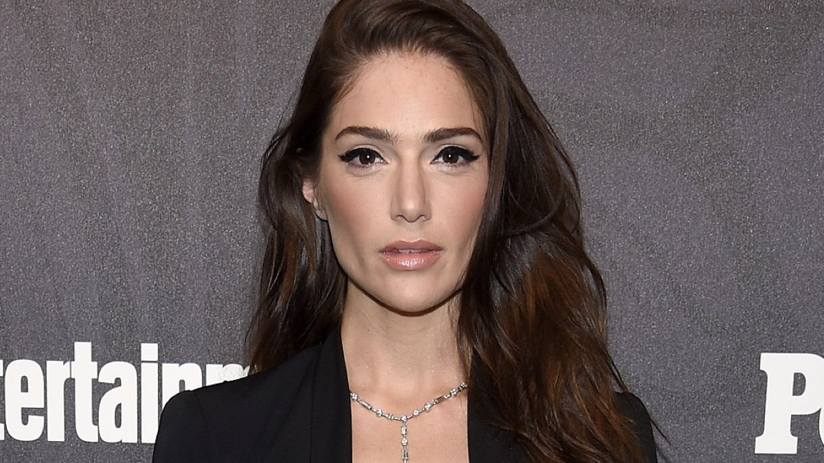 Janet Montgomery of New Amsterdam attends Entertainment Weekly & PEOPLE New York Upfronts, Credits Dimitrios Kambouris e Getty Images