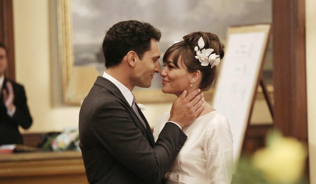 Il Paradiso Delle Signore, la scena del matrimonio tra Vittorio Conti e Marta Guarnieri interpretati da Alessandro Tersigni e Gloria Radulescu. Credits: Rai