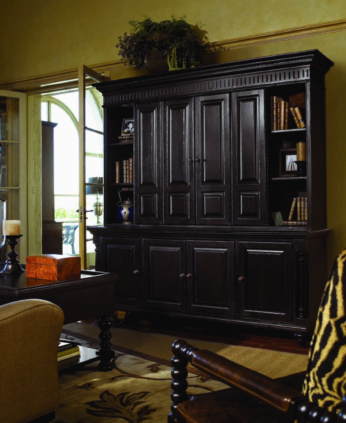 Tommy Bahama Kingstown Wellington Hutch And Console SALE