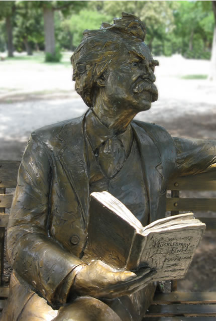 Mark Twain statue, Trinity Park, Fort Worth, Texas Photo by Barbara Schmidt © 2010