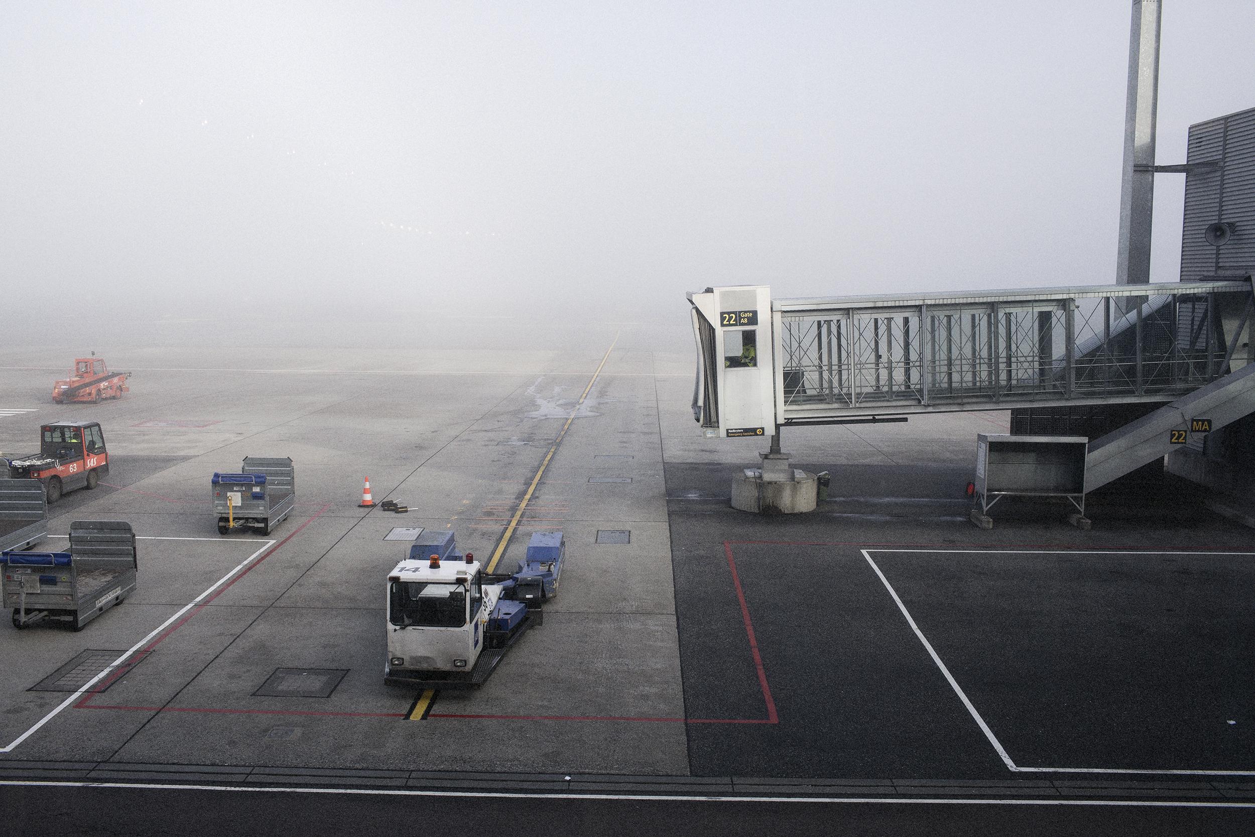 Fotograf_Nicki_Twang_Airports_forside_001