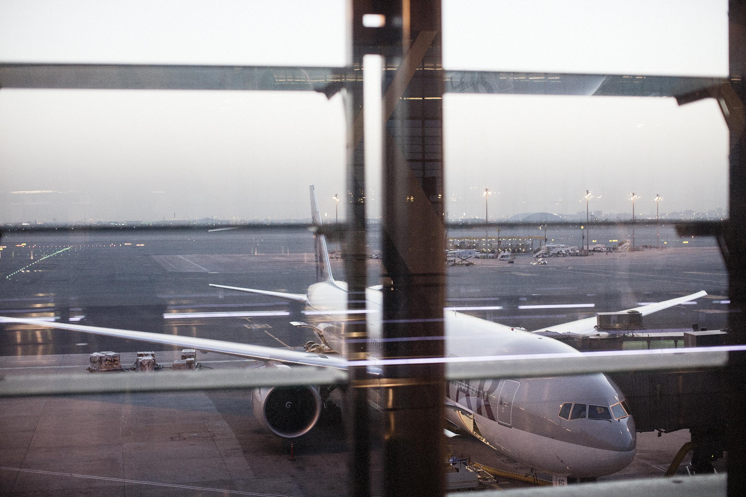 Fotograf_Nicki_Twang_Airports_forside_004