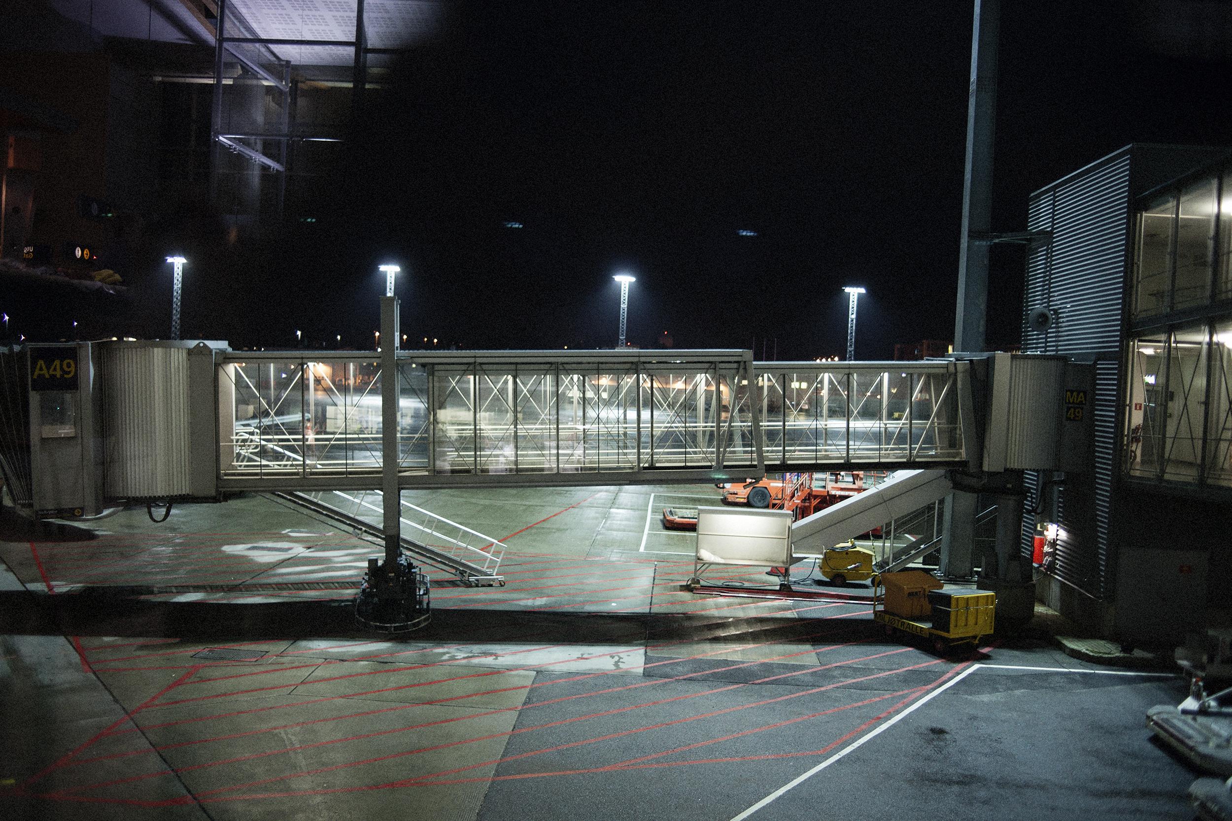 Fotograf_Nicki_Twang_Airports_forside_005