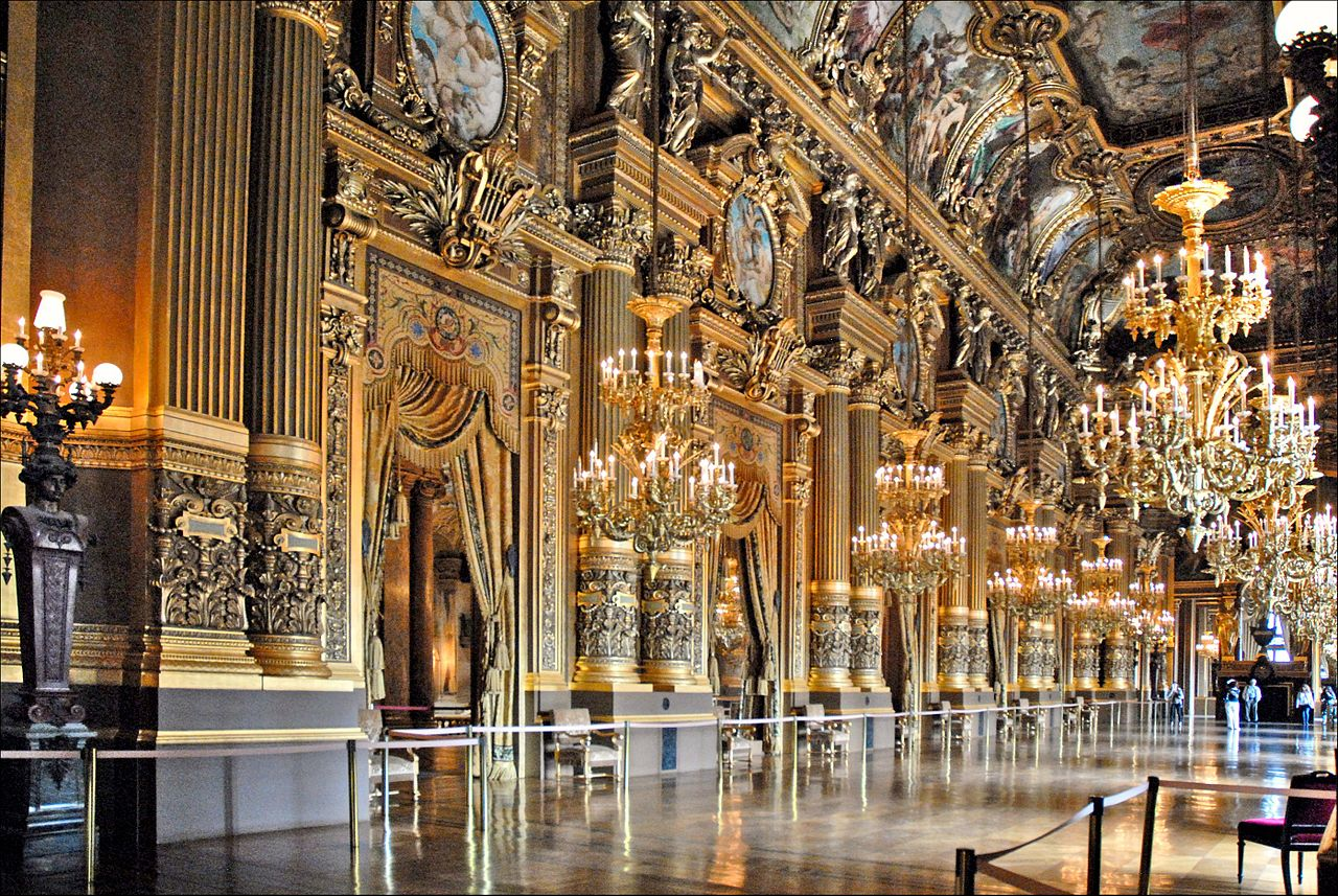 Le_grand_foyer_de_l'Opéra_Garnier_(Paris)