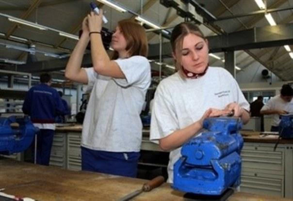 Pensioni: ai giovani assegno minimo 650-680 euro al mese