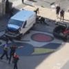 Barcellona: furgone sulla folla delle Rambla. Morti e feriti. Due terroristi barricati