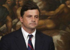 Bollette a 28 giorni: il ministro Calenda contro le compagnie, è inaccettabile