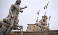 Salvini e Di Maio in tour per spiegare il contratto. Lunedì da Mattarella il nome del premier