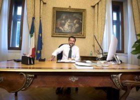 Migranti e sgomberi, Salvini ha riunito i prefetti: ecco le priorità per gli interventi