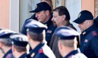 Battisti nel carcere di Oristano, ma infuria la polemica politica. L'estrema sinistra lo vuole libero