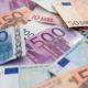 Nasconde 40.000 euro nel forno e la fidanzata li brucia per fare lo strudel