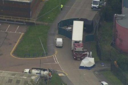 Migranti, orrore in Inghilterra: 39 morti in un container proveniente dalla Bulgaria