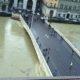 Pisa: paura passata per la piena. Le scuole restano chiuse. L'Arno scende anche a Firenze e nell'Aretino