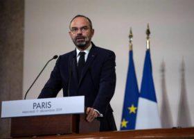 Francia: premier, su pensioni puntiamo a 64 anni, no dei sindacati