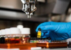 RICERCA SCIENTIFICA - 500 miliardi di molecole studiate per verificare come contrastare il Coronavirus