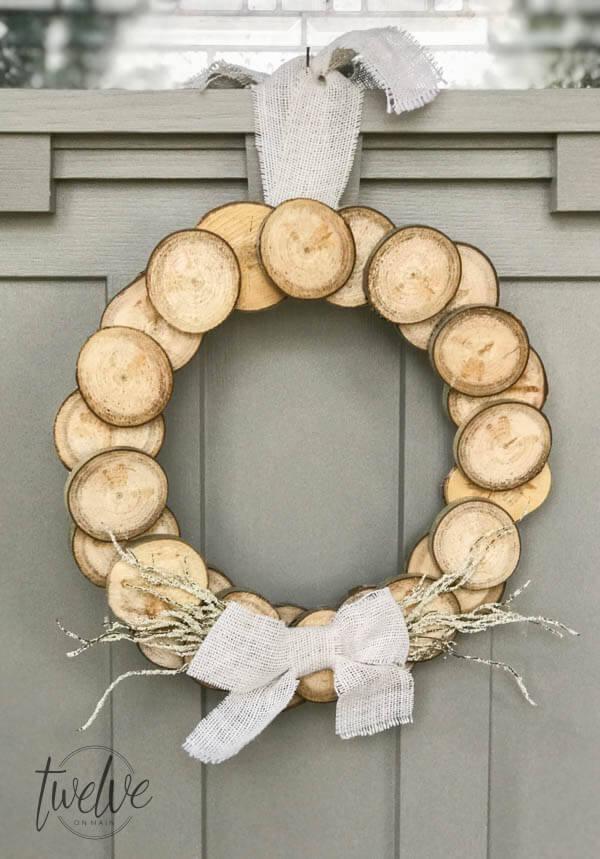 classic wood slice wreath