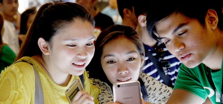 Oppo F1s debuts in the Philippines, sells out in three days