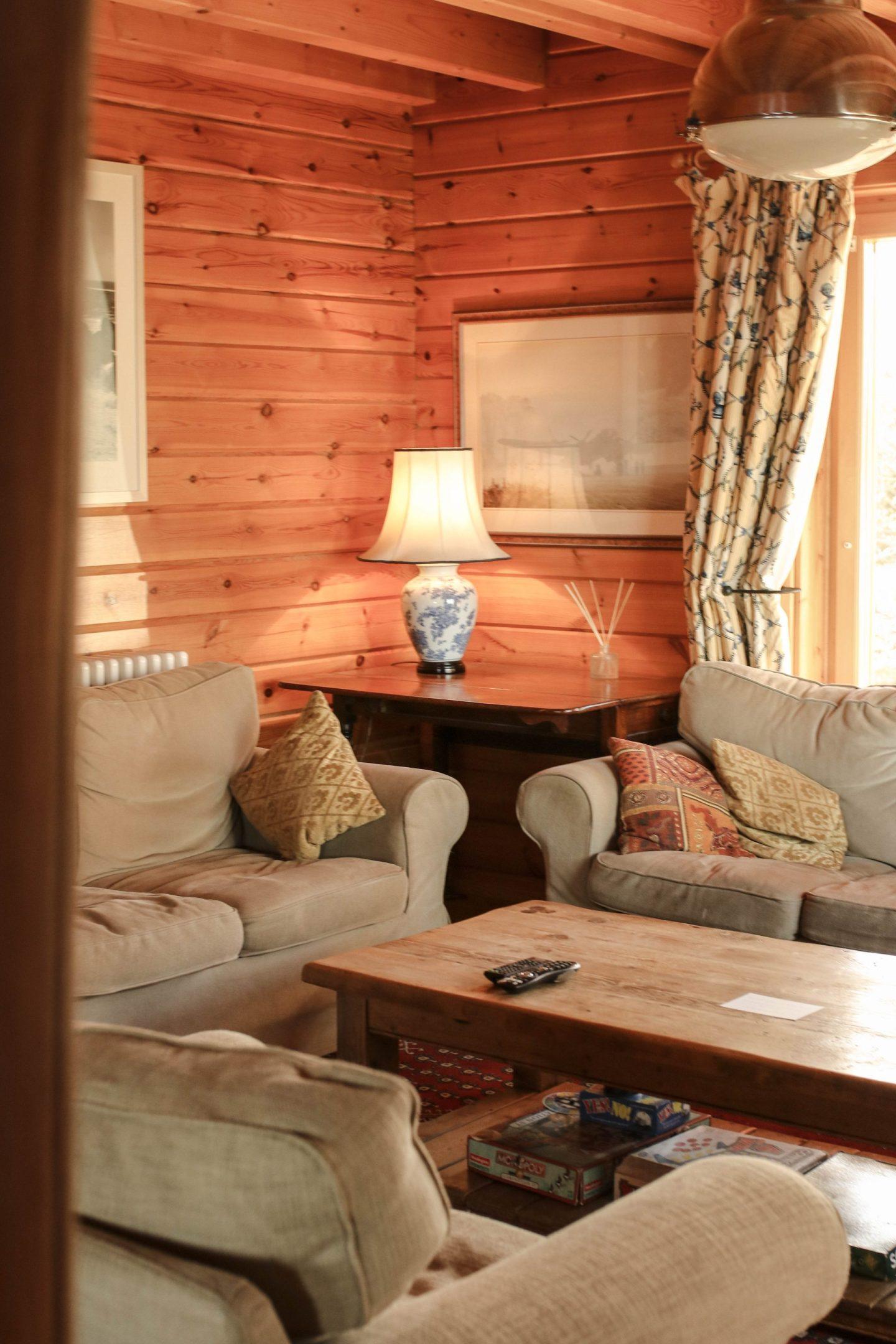 Log House Holidays Moondara Lodge