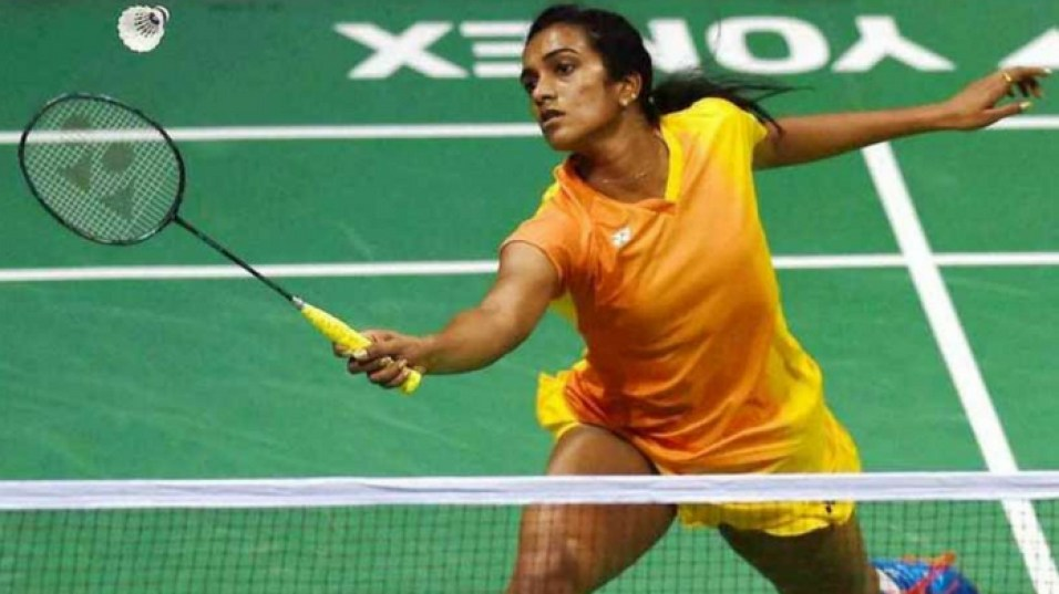 pv sindhu enters semi final in badminton world championship