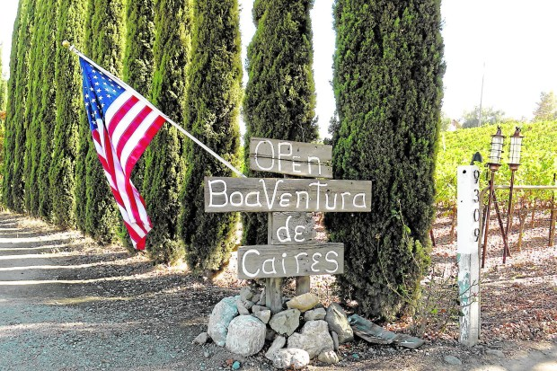 BoaVentura de Caires' sign may lack in sophistication, but the winery makes up for it with its down-home vibe. (Courtesy of Amy Laughinghouse)