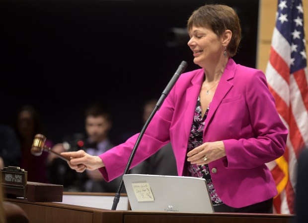 President of the Minnesota Senate Sandra Pappas, DFL-St. Paul, gavels in the new legislative session in St. Paul on Tuesday, March 8, 2016. (Pioneer Press: Scott Takushi)