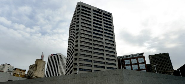 The Securian Tower in downtown St. Paul. (Pioneer Press: John Autey)
