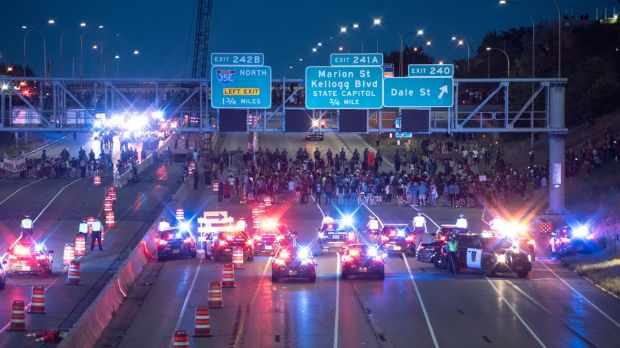 Both directions of Interstate 94 in St. Paul were closed the night of Saturday, July 9. 2016, by a large group protesting the police shooting of Philando Castile. (Andy Rathbun / Pioneer Press)