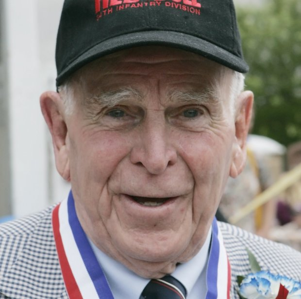Retired Gen. John Vessey, who served as chairman of the Joint Chiefs of Staff under President Reagan, is shown after the dedication Saturday, June 9, 2007 of the World War II Memorial on the Capitol grounds in St. Paul, Minn.  (AP Photo/Jim Mone)