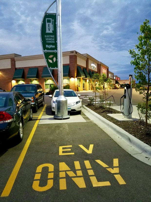 """Hy-Vee has a history of offering electric-car stations, including generic fast-charging or """"level two"""" stations for use by any electric vehicle. The Oakdale Hy-Vee is among the stores with such charging, along with its eight Tesla-only Supercharger stalls. (Courtesy photo: Jukka Kukkonen)"""