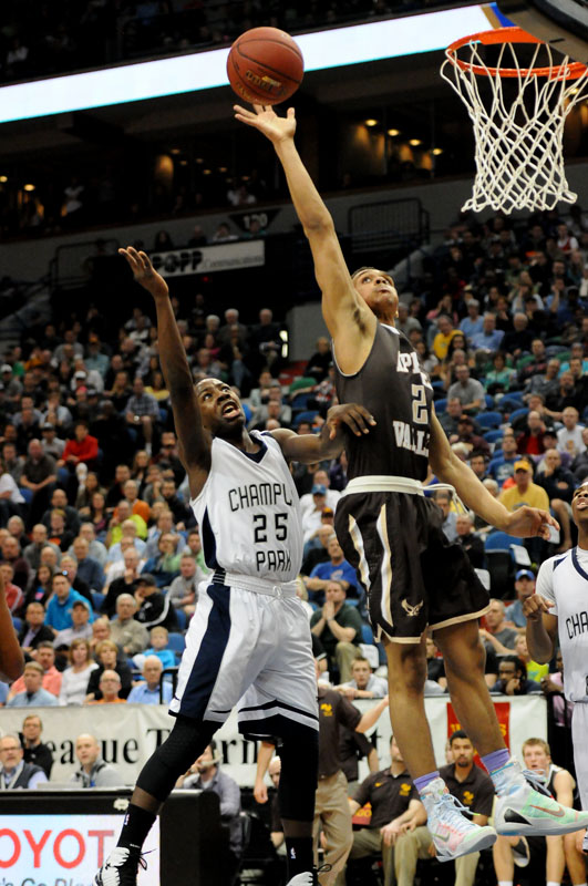 Apple Valley's Gary Trent Jr. ,right, goes to the basketball as Champlin Park's McKinley Wright during the first half of the Class 4A Boys Basketball Championship game at the Target Center in Minneapolis on March 14, 2015. (Pioneer Press: Sherri LaRose-Chiglo)