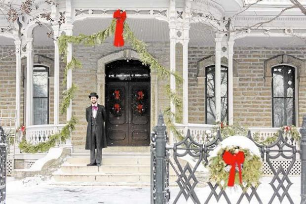 Alexander Ramsey House, all dressed up for the holidays.