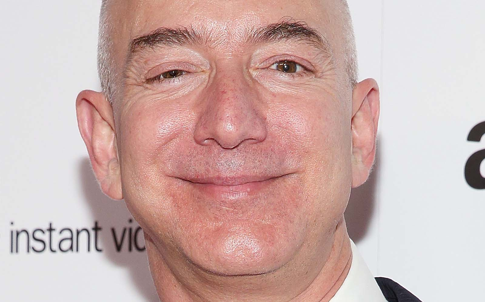 Jeff Bezos is worth over $100 billion after Amazon's Black Friday rally