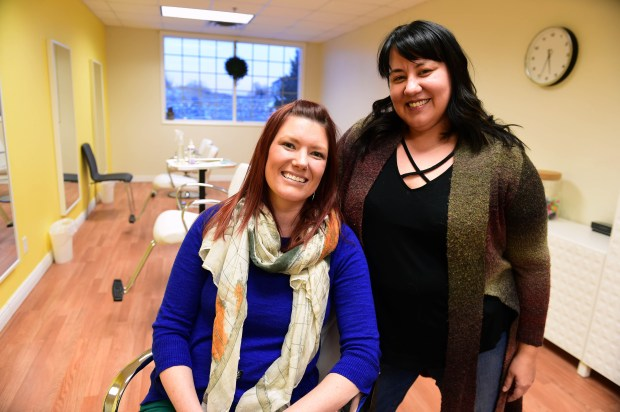 Jen Spangenberg, left, and Janna Sheriff, co-owners of Lice Champs, a lice removal business in Woodbury, Thursday, Feb. 9, 2017. (Pioneer Press: Scott Takushi)