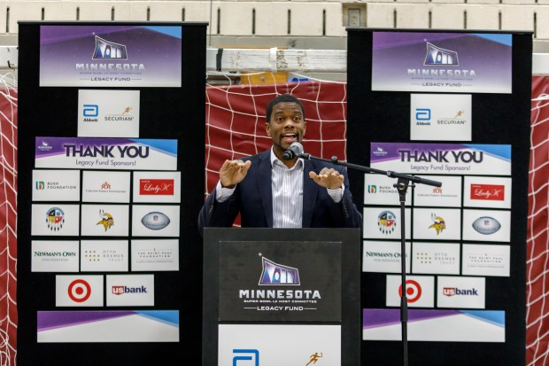 St. Paul Mayor Melvin Carter speaks at Conway Community Center Gym on Tuesday, Jan. 10, 2018 about the grant awarded by the Minnesota Super Bowl Host Committee for a makeover at Conway gym. (Courtesy of Steffenhagen Photography)
