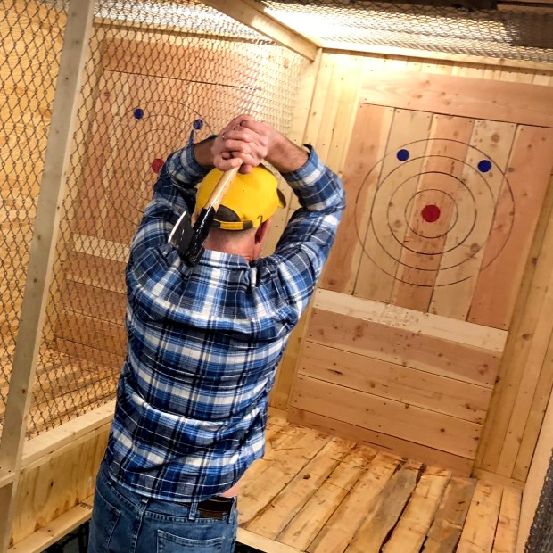 axe-throwing-twin-cities-minneapolis