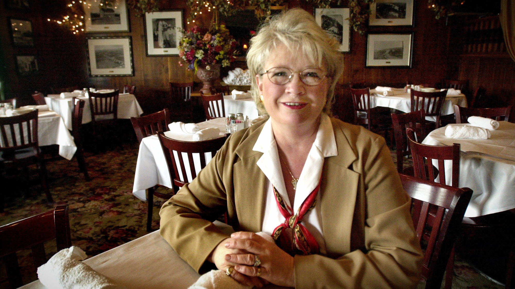 April 2002 photo of Linda Young, co-owner of Axel's River Grille, in Mendota. (Scott Takushi / Pioneer Press)