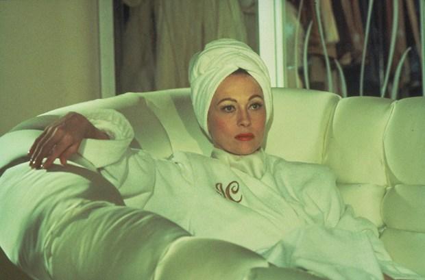 mommie-dearest-faye-dunaway-joan-crawford