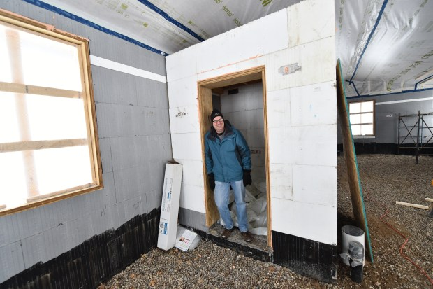 St. Paul couple wanted an affordable net-zero-energy home. They nailed the net-zero part.